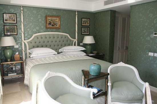 The Oyster Box: Bedroom area of garden villa