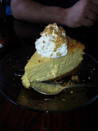 Good Winds Seafood & Wine Bar: Keylime pie!!