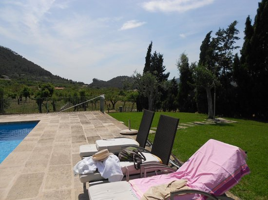 Finca Possessio Son Esteve: Poolside