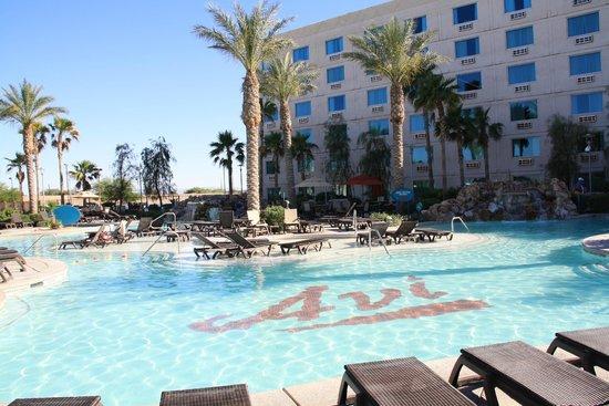 Avi Resort & Casino: Pool