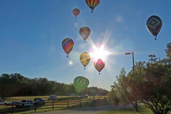 Simpsonville, SC: Balloons Floating By at Aloft - Heritage Park