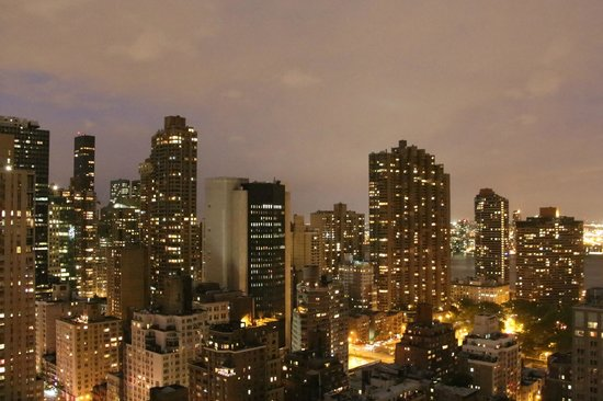 Dumont NYC–an Affinia hotel: A nighttime view from our room