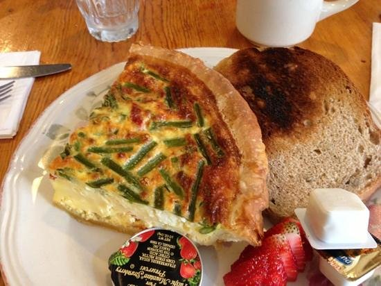 Absolute Bakery & Cafe : Veggie quiche