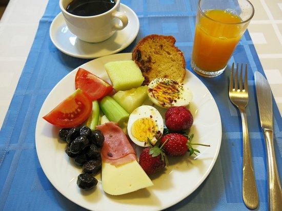 Hotel Novano : Take-what-you want breakfast buffet