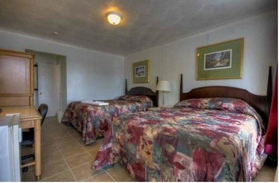Motel Montcalm: 2 queen size beds