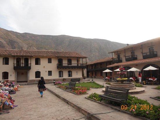 Sonesta Posadas del Inca Sacred Valley Yucay: Little craft market on hotel grounds