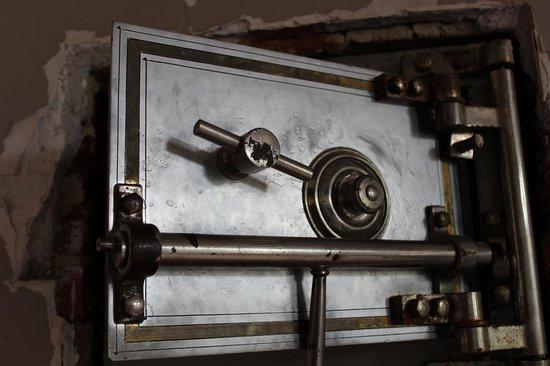 Ohio State Reformatory: Wardens Safe