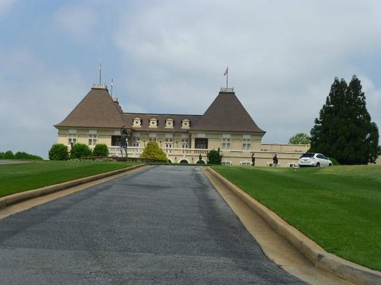 """Chateau Elan Winery And Resort: Entering the """"Chat"""""""