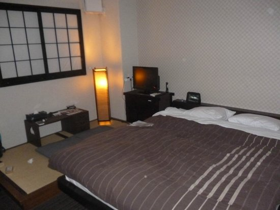 K's House Tokyo Oasis: Double room upon arrival..