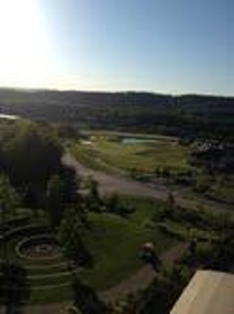 Grand Cascades Lodge: Gorgeous views from our 5th FL room