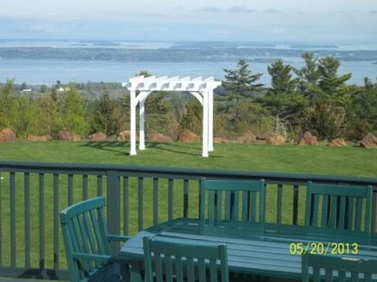 Point Lookout Resort: The view from the veranda-The Summit