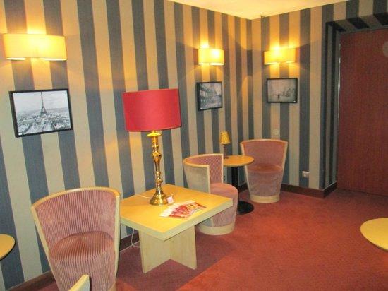 Hotel Exposition Tour Eiffel: elegancia