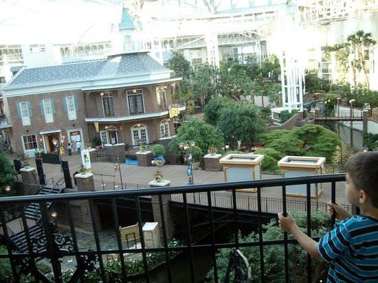 Gaylord Opryland Resort & Convention Center: Fourth floor balcony of the Delta Island Section