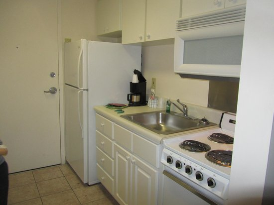 Beach Tower By The Sea: Kitchen still the same