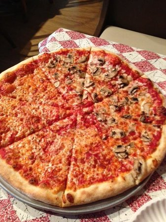 Elvio's Pizzeria & Restaurant: Elvio's NY Style Pizza - half cheese half mushroom
