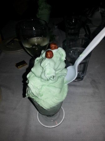 Connell's Supper Club: Creme de Menthe ice cream drink -- delicious!