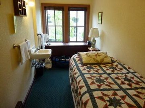 The College Inn: Single Room