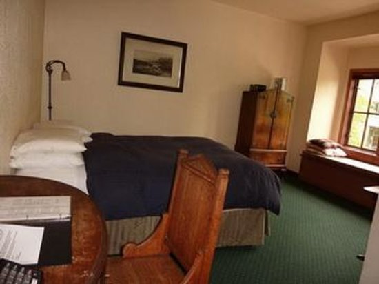 The College Inn: Larger Rooms in the Hostel/Hotel