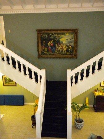 Royal Villas at Half Moon: Staircase