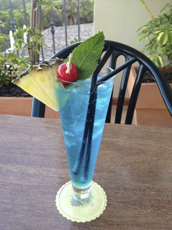 Ria Park Hotel&Spa: A lovely Blue Lagoon cocktail