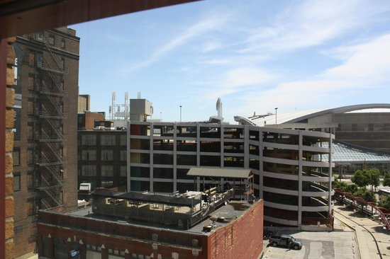 One bedroom suite picture of residence inn cleveland for Bedroom suites in cleveland ohio