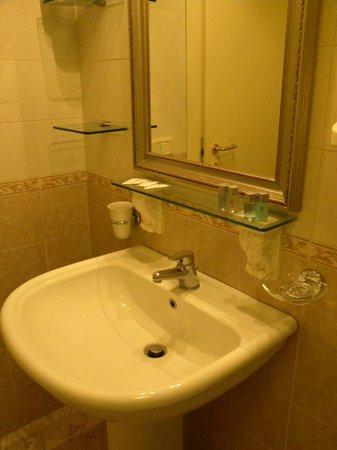 Hotel Regina Margherita: Bagno