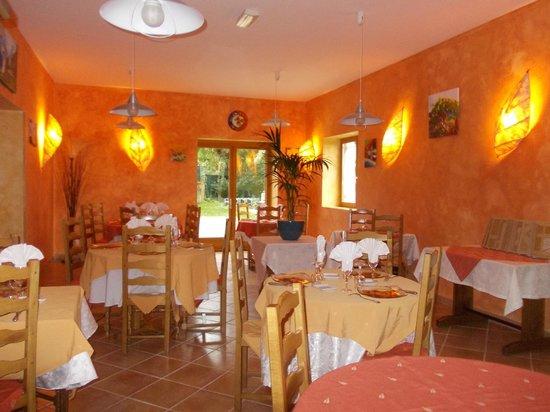 Restaurant Les Tilleuls : Salle de restaurant - vue 1
