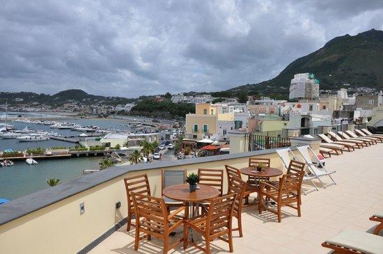 Hotel Villa Carolina: Colazione in terrazzo con vista mare
