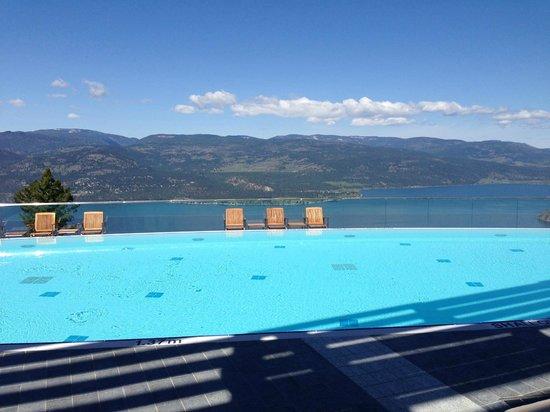 Sparkling Hill Resort : pool