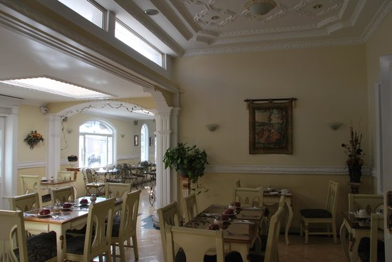 Eugenia Hotel: The breakfast cafe