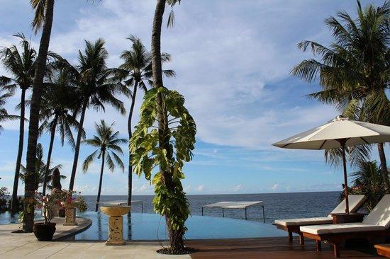 Siddhartha Ocean Front Resort & Spa: Pool