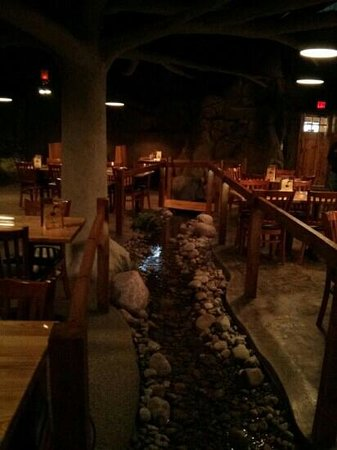 Boondocks Restaurant and Bar : Interior