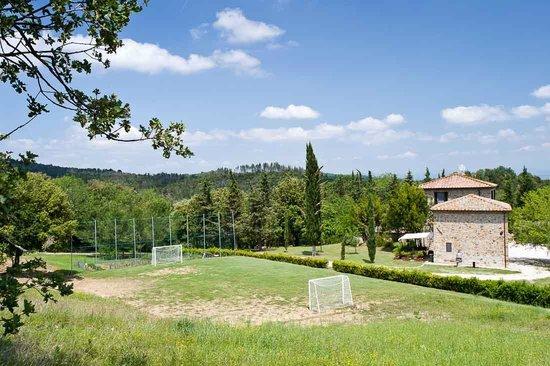 Agriturismo I Pianelli: Football ground