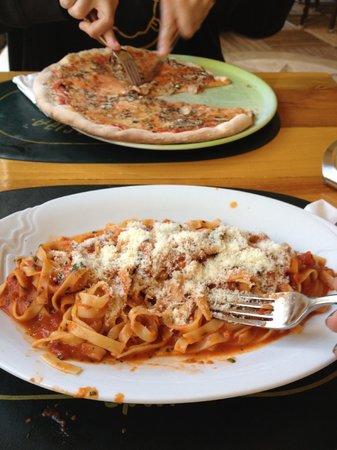 Pizzeria Galija: Tagliatelle & Pizza Funghi