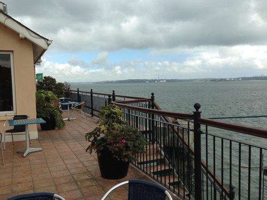 WatersEdge Hotel: Balcony room worth the extra $