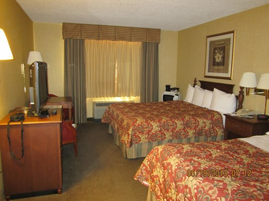 Clarion Hotel Airport: Another photo of our room