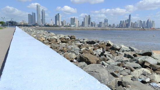 Capital Bistro Panama: Vista hacia Panamá