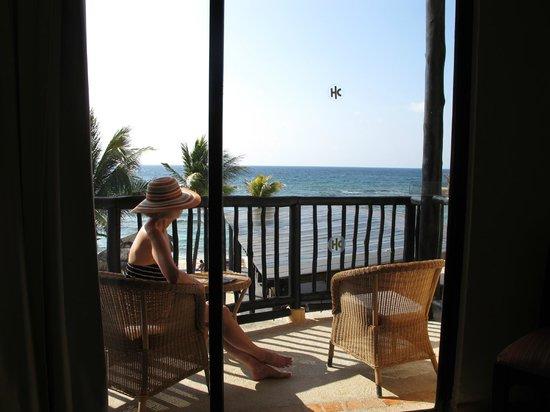 Catalonia Riviera Maya: Reading on the deck,
