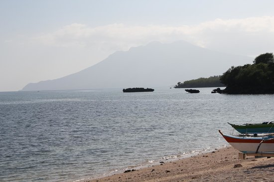Beach Club Cagpo: View towards the southern part of Marinduque