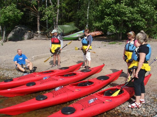 Natura Viva: Getting ready to paddle