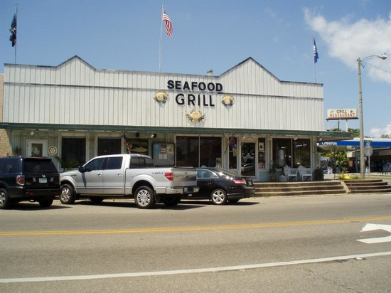 Apalachicola Seafood Grill & Steakhouse: outside