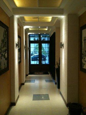 Villa Manjez: entrance/exit