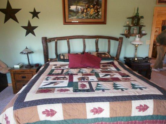 Bear Rock Ridge Bed & Breakfast: Pretty and comfortable
