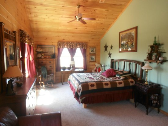 Bear Rock Ridge Bed & Breakfast: Spacious