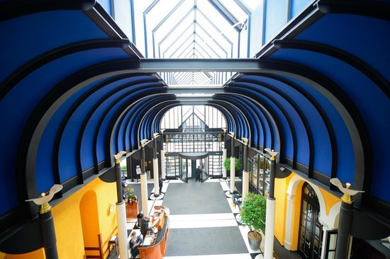 Victoria Jungfrau Grand Hotel & Spa : Grand Lobby