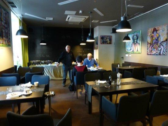 Amfiteatar Hotel: Saletta colazione