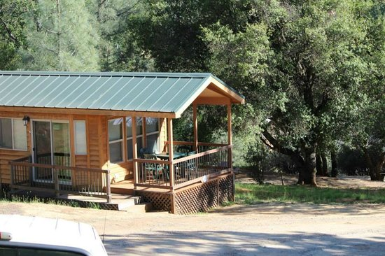 Yosemite Pines RV Resort and Family Lodging: Premium Cabin