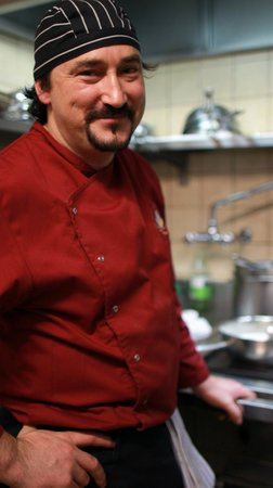 Eiger Guesthouse: Helder, our Chef