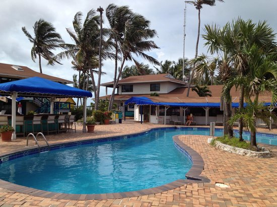 Bimini Big Game Club Resort & Marina: The pool area was very relaxing and clean