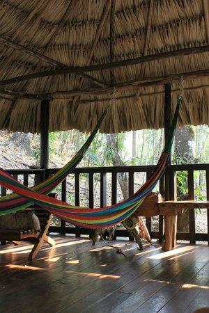 Table Rock Jungle Lodge: Chill area